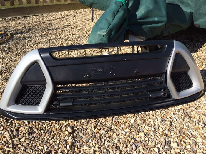 for sale mk1 kuga 39 individual 39 mid lower grill ford. Black Bedroom Furniture Sets. Home Design Ideas